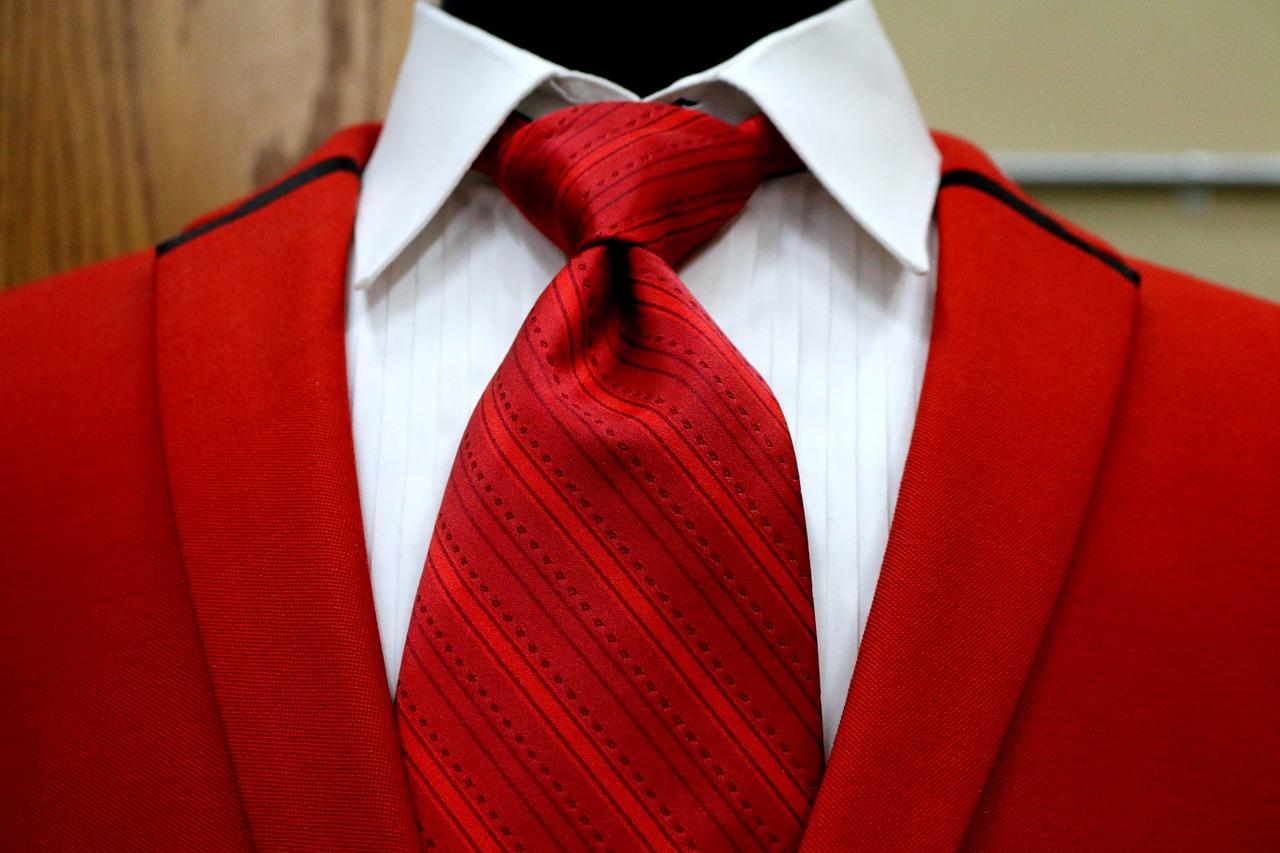 【簡単×定番】営業マンのネクタイの結び方 3選